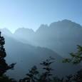 070814大猫平の下りから見る剱岳
